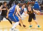 Kaufmanim 14 punkti un saspringta uzvara Spānijā
