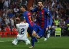 """Neaprakstāmā mačā Mesi izrauj """"Barcelona"""" uzvaru un saasina titula cīņu"""