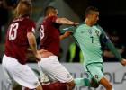 Latvijai ar četriem debitantiem sakāve pret Portugāli, Ronaldu divi vārti