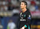 Uz UEFA gada futbolista balvu pretendē Bufons, Mesi un Ronaldu