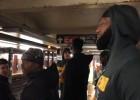 """Video: Džeimss un """"Cavaliers"""" izbauda Ņujorkas metro pakalpojumus"""