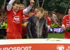Video: PK ceļazīmi ieguvušie Dānijas futbolisti apstrādā TV ekspertus
