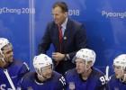 Amerikāņu treneris spēles beigās sadusmojas par Znaroka rīcību un atsakās paspiest roku