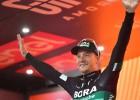 """Īrs Benets triumfē """"Giro d'Italia"""" 12.posmā, Neilands ārpus labāko simta"""
