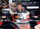 Rikjardo pārspēj Fetelu Ungārijas F1 posma pirmajā treniņā