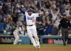 """Visu laiku ilgākajā MLB <i>playoff</i> mačā """"Dodgers"""" izcīna pirmo uzvaru"""