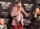 Video: Fjūrijs pēc neizšķirta ļaujas dziesmas vilinājumam