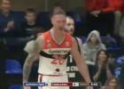 Video: Butjankovs piespēlē sev pret pretinieka muguru