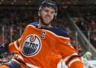 Makdeivids gūst savainojumu NHL regulārās sezonas pēdējā spēlē