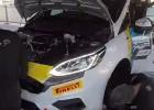 Video: Kā tiek veikli nomainīts rallija auto dzinējs?