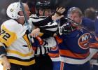 """Bļugers rezervē, """"Penguins"""" agrajā mačā cīnīsies par pirmo uzvaru Stenlija kausā"""