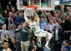"""""""Pacers"""" apstājas pēdējā ceturtdaļā, """"Celtics"""" dubulto pārsvaru sērijā"""