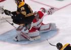 """Video: NHL pusfinālu atvairījumos uzvar """"Hurricanes"""" čehs"""