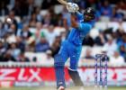 Indijas kriketisti turpina pārliecinoši un pārspēj Austrāliju