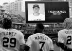 Atrodoties izbraukumā, miris MLB spēlētājs Skagss