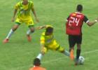 Video: Futbolists apspēlē septiņus pretiniekus un gūst vārtus