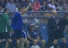 Video: Treneris diskvalificēts par iedomātas kartītes parādīšanu tiesnesim