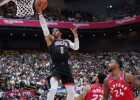"""Vestbruks debitē """"Rockets"""" sastāvā ar 13 punktiem Tokijā, Hārdens iemet 34"""