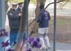 Video: Policisti aptur skrējēju, taču viņš aizbēg