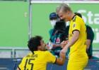 Holanns izrauj uzvaru Dortmundei, pēdējo minūšu panākums arī Minhenei