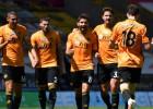 """""""Wolves"""" viegli tiek galā ar """"Everton"""" un turpina cīņu par Čempionu līgu"""