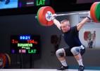 Svarcēlājs Suharevs sīvā cīņā triumfē pasaules junioru čempionātā