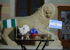 Panākumiem bagātais kaķis prognozē, ka Nigērija pieveiks Argentīnu