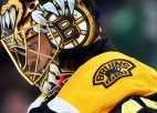 """""""Bruins"""" vārtsargs Rasks izskata iespēju pēc nākamās sezonas beigt karjeru"""