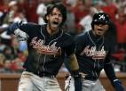 """""""Braves"""" un """"Dodgers"""" izvirzās Nacionālās līgas sēriju vadībā"""