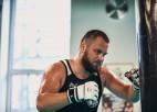 Zutis MMA debitēs ar cīņu pret cīkstoni, kuram pirms gada jau zaudēja