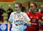 Video: Latvijas florbola izlase gūst četrus vārtus pret Šveici
