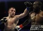Lietuviešu bokseris Kavaļausks sagādā problēmas WBO čempionam Krofordam