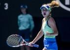 """Kenina """"Australian Open"""" pusfinālā sakauj mājinieci Bārtiju, Mugurusa apspēlē Halepu"""