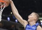 Video: Pēc teicamas saspēles Porziņģis finišē ar danku un tiek NBA dienas topā