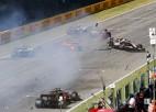 Avārijām bagātās F1 sacīkstēs Mudžello uzvar Hamiltons