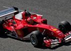 """Video: Miks Šūmahers ar sava tēva """"Ferrari"""" traucas pa Mudžello trasi"""