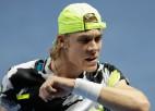 Šapovalovs neizmanto iespēju sezonu pabeigt ATP ranga desmitniekā