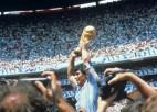 Futbola pasaule piemin Maradonu, Argentīnā izsludina trīs dienu sēras