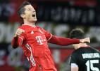 """Levandovskis pēdējā minūtē nokārto Minhenes uzvaru un atņem """"Bayer"""" līgas vadību"""