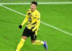 """Dortmundes """"Borussia"""" atgriežas """"top 4"""", """"Bayern"""" zaudē puslaiku pret pastarīti"""