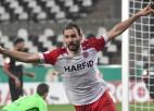 """Vācijas kauss: 4. līgas klubs sensacionāli pieveic """"Bayer"""", Dortmunde par mata tiesu uzvar papildlaikā"""