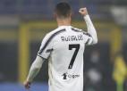 """Ronaldu divi vārti, """"Juventus"""" atspēlējas un sper platu soli pretī finālam"""