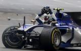 Foto: Džovinaci avārija un citas Ķīnas <i>Grand Prix</i> intrigas