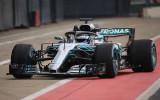 """Foto: Jaunos spēkratus atrāda F1 spēcīgākās komandas """"Mercedes"""" un """"Ferrari"""""""