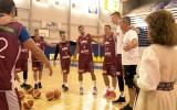 Video: Latvijas basketbola izlase piedalās Lāča spēka rituālā