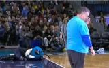 Video: NBA jocīgākajos momentos cieš arī talismans