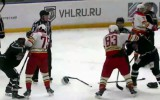 Video: Skvorcovs un Salija iesaistās VHL kautiņā