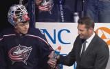 Video: Merzļikins trīs reizes parādās NHL jocīgākajos momentos