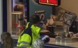 Video: Futbolists trāpa nevis vārtos, bet ēdienu un dzērienu kioskā