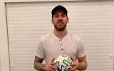 Video: Girgensons ar futbola bumbu met izaicinājumu